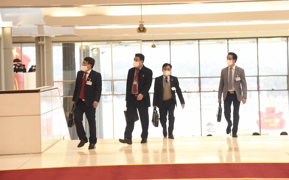 Đại hội XIII của Đảng tiếp tục bàn về công tác nhân sự