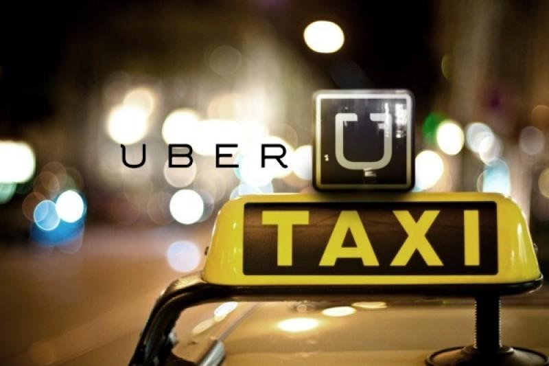 Đề xuất Uber và GrabTaxi phải gắn phù hiệu như taxi