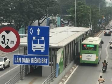 Buýt BRT đón gần 230.000 lượt từ khi thu phí