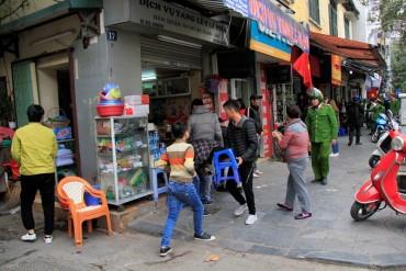 Công an quận Hoàn Kiếm xử lý vi phạm trật tự đô thị