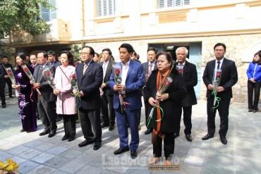 Lãnh đạo Thành phố dâng hương tưởng nhớ đồng chí Trần Phú và đồng chí Lê Duẩn