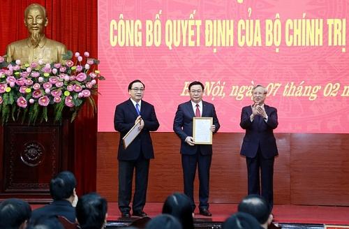 Đồng chí Vương Đình Huệ được phân công làm Bí thư Thành ủy Hà Nội