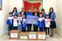 Thiếu nhi Thủ đô gửi khẩu trang và nước rửa tay cho học sinh tỉnh Vĩnh Phúc