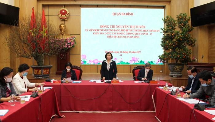 Phó Bí thư Thường trực Thành ủy Hà Nội Nguyễn Thị Tuyến chỉ đạo công tác phòng, chống dịch Covid-19 tại quận Ba Đình