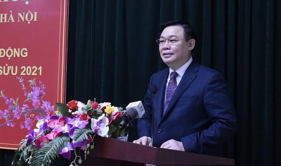 Bí thư Thành ủy Vương Đình Huệ: Quan tâm, chăm lo người lao động phải làm xuyên Tết