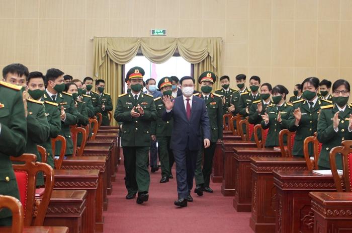 Bí thư Thành ủy Hà Nội Vương Đình Huệ thăm, chúc Tết Sư đoàn Bộ binh 301
