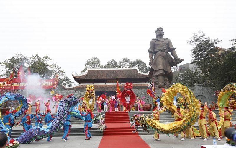 Hà Nội: Không được đi lễ hội trong giờ hành chính