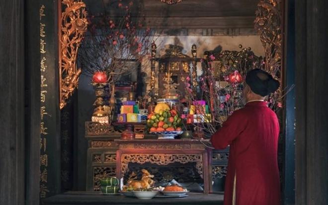 Cúng Tất niên là một lễ truyền thống được tiến hành vào chiều và tối 30 Tết