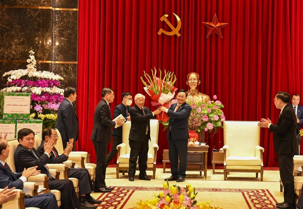Tổng Bí thư, Chủ tịch nước Nguyễn Phú Trọng tặng Thủ đô Hà Nội 4 câu thơ