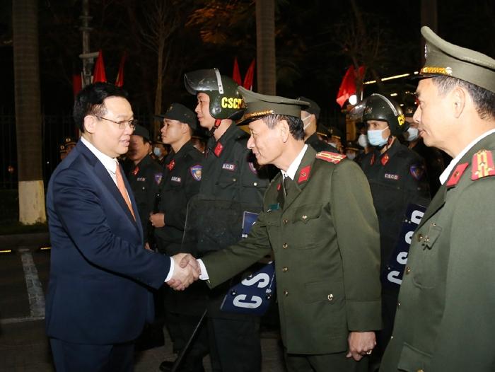 Bí thư Thành ủy Vương Đình Huệ thăm, chúc Tết Bộ Tư lệnh Cảnh vệ
