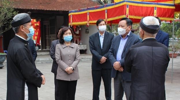 Phó Bí thư Thành ủy Nguyễn Văn Phong kiểm tra việc phòng, chống Covid-19 tại huyện Phúc Thọ