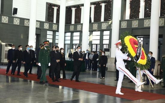 Đoàn đại biểu thành phố Hà Nội viếng đồng chí Trương Vĩnh Trọng