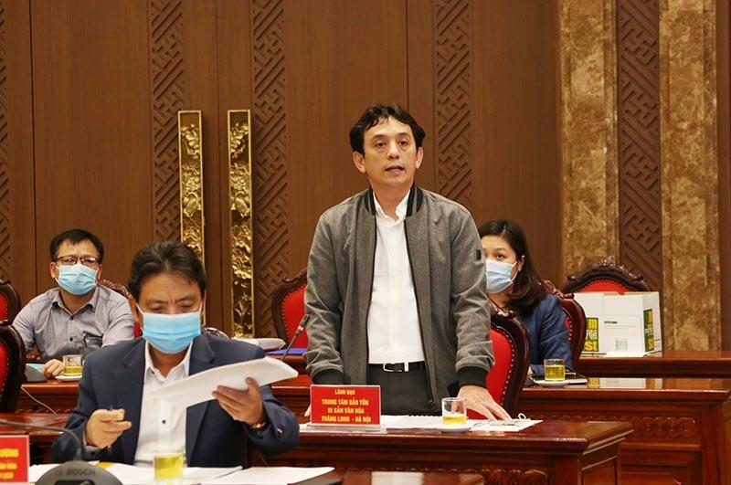 Giám đốc Trung tâm Bảo tồn di sản Thăng Long - Hà Nội Trần Việt Anh báo cáo tại buổi làm việc
