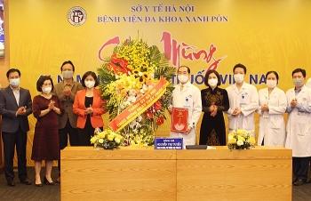 Phó Bí thư Thường trực Thành ủy Hà Nội thăm, chúc mừng Bệnh viện Đa khoa Xanh Pôn