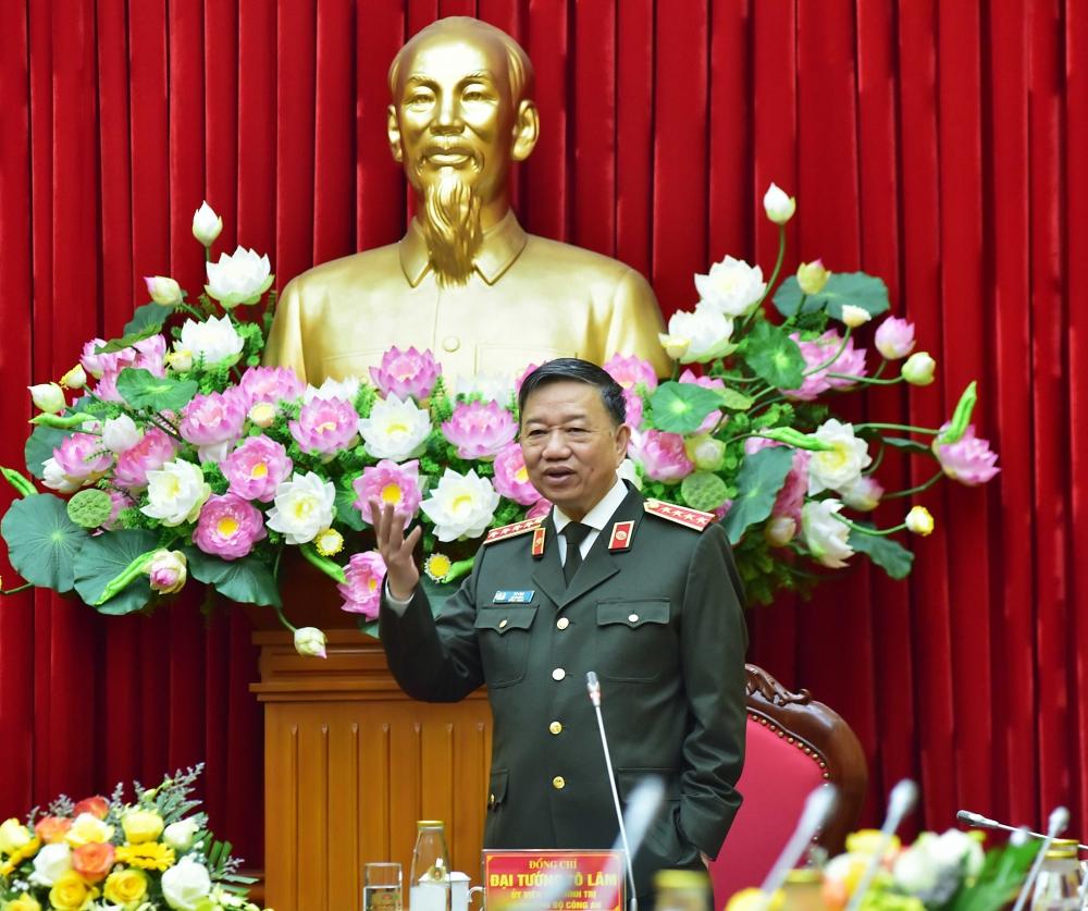 Bộ trưởng Bộ Công an Tô Lâm phát biểu tại buổi làm việc.