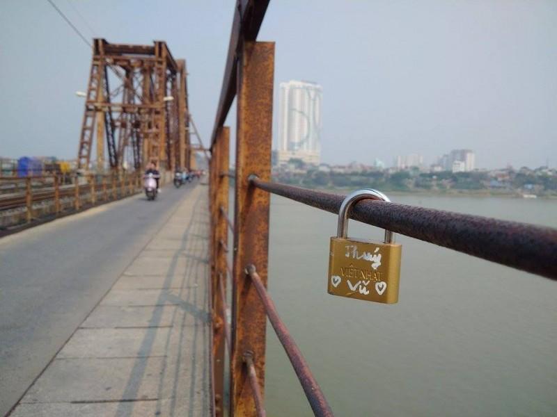 Cây cầu vắt qua ba thế kỷ ở Hà Nội
