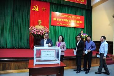 Cơ quan Thành ủy Hà Nội ủng hộ Quỹ