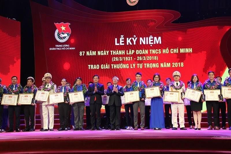 Tuyên dương 87 cán bộ Đoàn nhận giải thưởng Lý Tự Trọng 2018