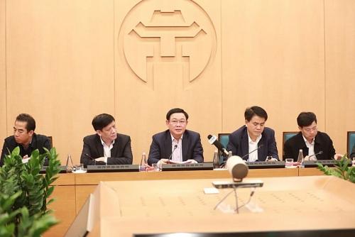 Bí thư Thành ủy Hà Nội: Ưu tiên bảo vệ sức khoẻ đội ngũ bác sĩ và nhân viên y tế, người già, trẻ nhỏ
