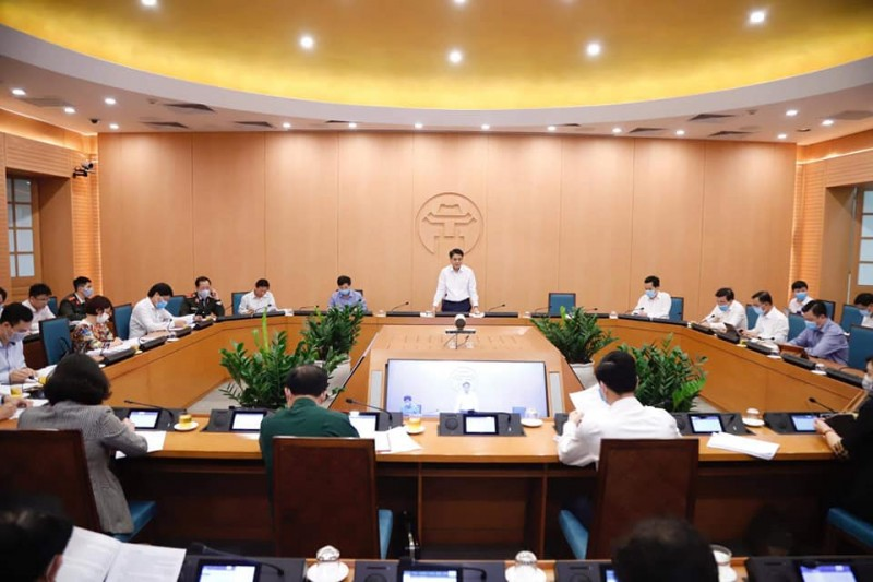 """Chủ tịch UBND TP Hà Nội: """"Cửa an toàn"""" ngày càng hẹp nếu còn tụ tập đông người"""