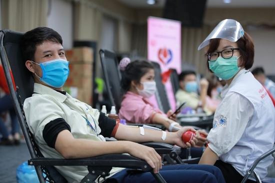 Tiếp nhận 15.000 đơn vị máu từ Chương trình