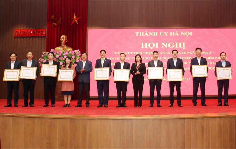 Ban Thường vụ Thành ủy Hà Nội tặng Bằng khen cho 10 tập thể có thành tích xuất sắc trong thực hiện Đề án 21