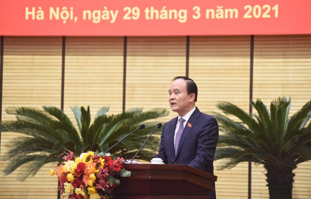 Chủ tịch Hội đồng nhân dân thành phố Hà Nội Nguyễn Ngọc Tuấn phát biểu tại Kỳ họp