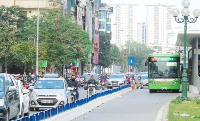 Taxi, xe công nghệ và vận tải công cộng được hoạt động trong phạm vi cho phép