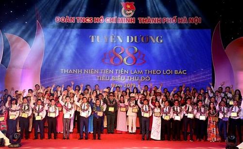 Hà Nội tuyên dương 90 đảng viên trẻ làm theo lời Bác
