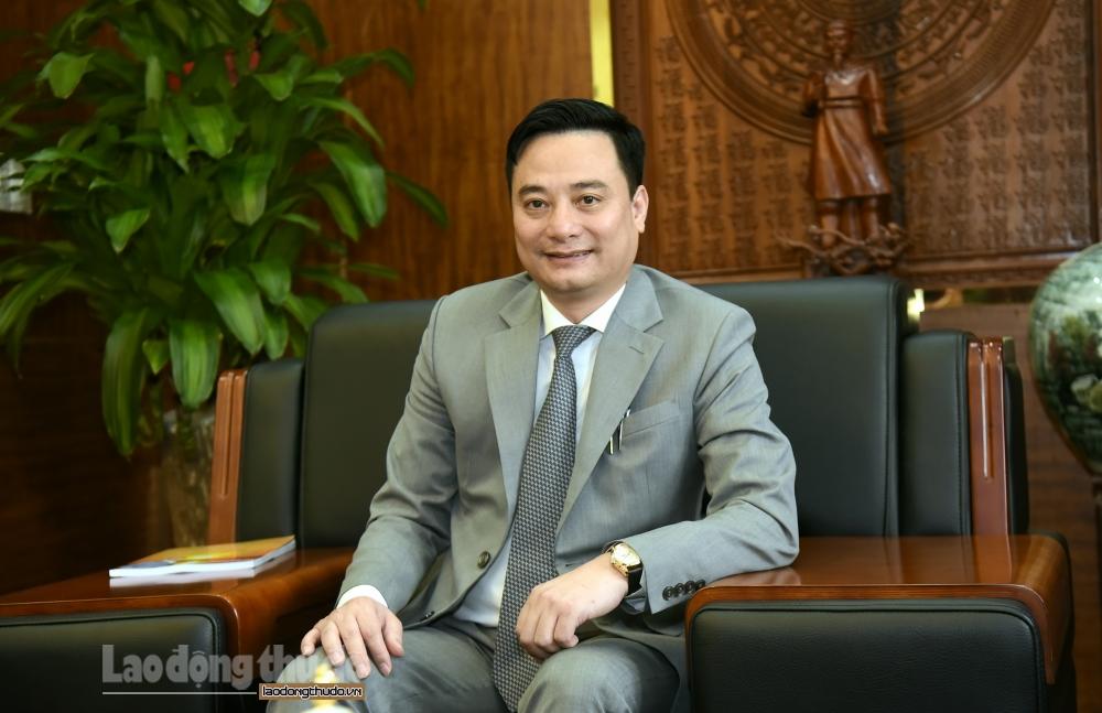 Ông Bùi Văn Sáng, Phó Bí thư Huyện ủy, Chủ tịch Ủy ban nhân dân huyện Thanh Oai