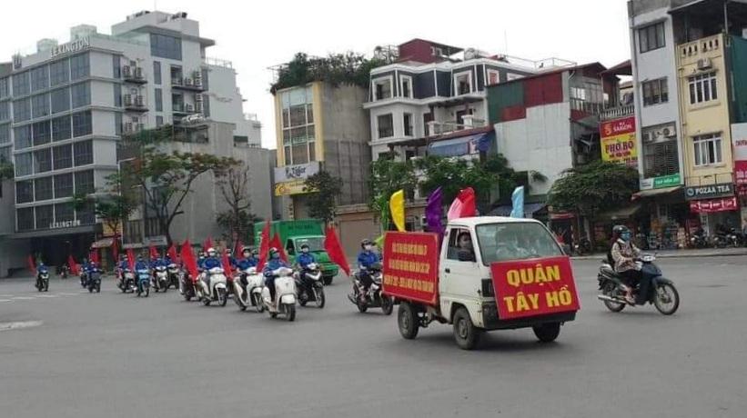 Phát loa tuyên truyền lưu động về cuộc bầu cử