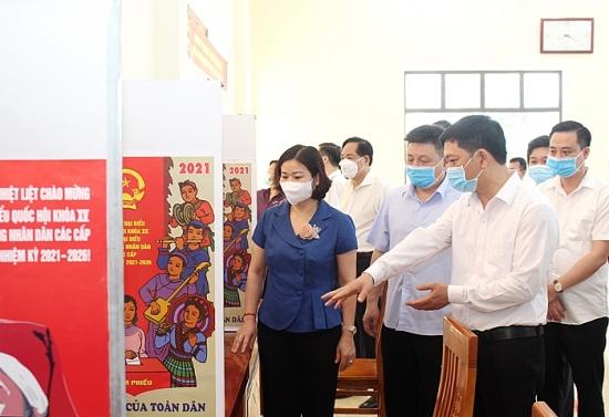 Phó Bí thư Thường trực Thành ủy Nguyễn Thị Tuyến: Càng tới sát giờ bầu cử, càng phải tăng cường kiểm tra chặt chẽ mọi việc