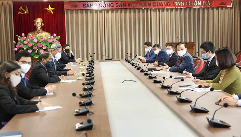 Hà Nội kiên định mục tiêu lấy doanh nghiệp và người dân làm trung tâm để phục vụ