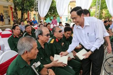 Chủ tịch Ủy ban Trung ương MTTQ Việt Nam thăm thương, bệnh binh tại Hà Nam