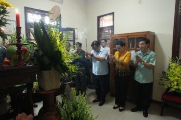 Lãnh đạo thành phố Hà Nội thắp hương tưởng niệm đồng chí Lê Quang Đạo