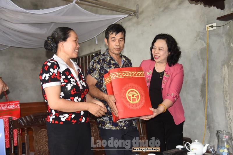 Phó Bí thư Thường trực Thành ủy thăm hỏi, tri ân người có công tại huyện Quốc Oai