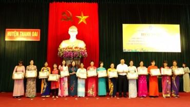 Huyện Thanh Oai: Khen thưởng 27 gia đình văn minh hạnh phúc tiêu biểu