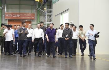 Bí thư Thành ủy Vương Đình Huệ thăm Khu Công nghệ cao Hòa Lạc