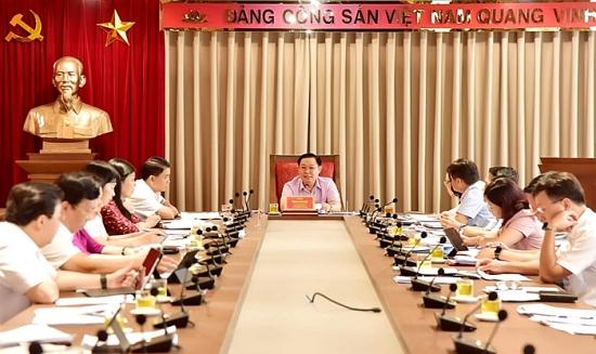 Bí thư Thành ủy Vương Đình Huệ chủ trì họp về tổ chức bộ máy, biên chế
