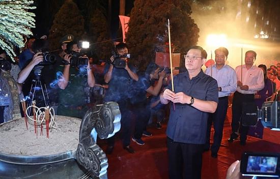 Hà Nội tổ chức thắp nến tri ân các anh hùng, liệt sĩ