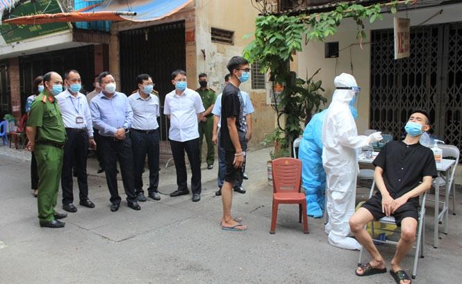 Phó Bí thư Thành ủy Hà Nội: Sẵn sàng ứng phó tình huống có ca lây nhiễm tăng cao