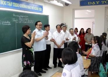 Bí thư Hoàng Trung Hải thăm một số mô hình, trường học huyện Thanh Trì