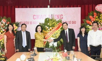 Lãnh đạo Thành ủy Hà Nội chúc mừng Tạp chí Cộng sản