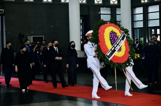 Đoàn đại biểu thành phố Hà Nội viếng nguyên Tổng Bí thư Lê Khả Phiêu