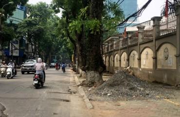 Hà Nội: Nhiều vỉa hè bị tái chiếm sau 6 tháng ra quân