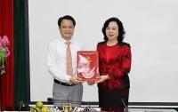 Trao quyết định về công tác cán bộ tại Ban Dân vận Thành ủy Hà Nội
