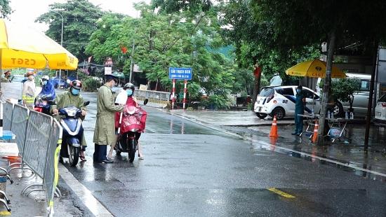 """Công an huyện Thanh Oai """"vượt nắng, thắng mưa"""" bảo vệ vùng xanh an toàn"""