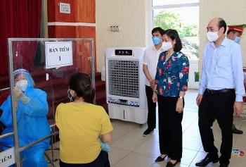 Đẩy mạnh công tác phòng, chống dịch gắn với lấy mẫu xét nghiệm, thực hiện tiêm chủng an toàn