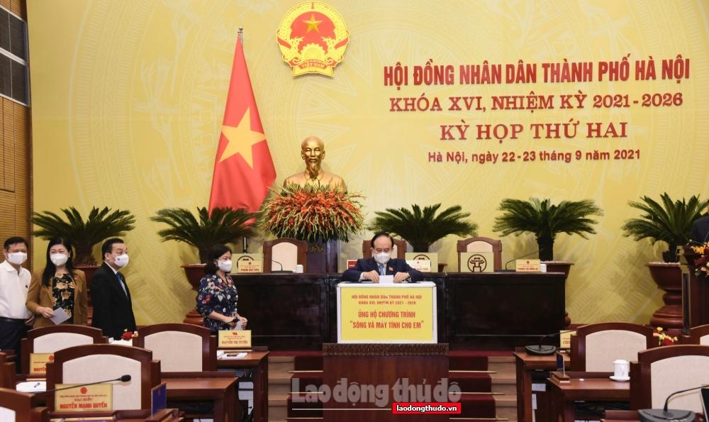 """Đại biểu HĐND thành phố Hà Nội ủng hộ hơn 114 triệu đồng vào chương trình """"Sóng và máy tính cho em"""""""