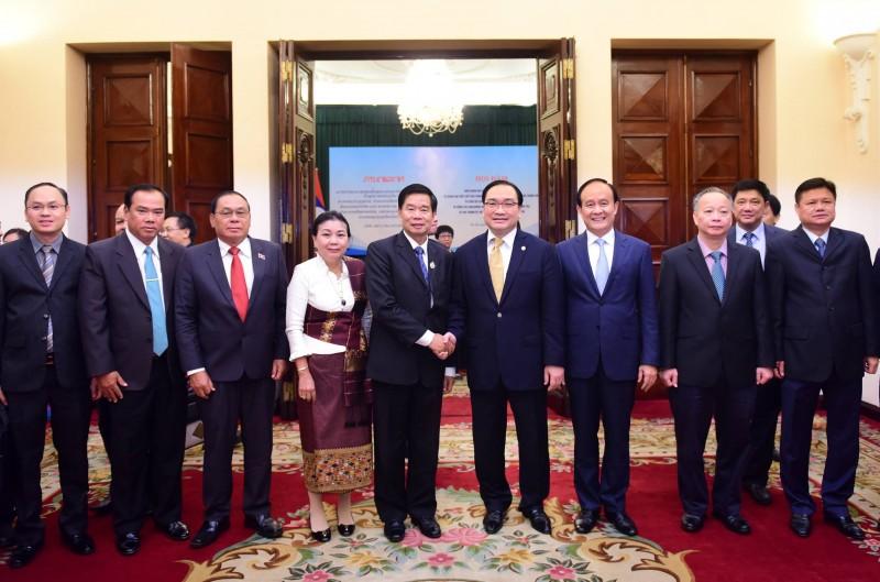 Hà Nội và Viêng Chăn: Thúc đẩy hợp tác trên nhiều lĩnh vực